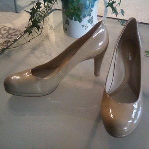 Naturalizer N5 Comfort platform heels, size 8
